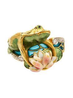 Masriera | An 18 Karat Yellow Gold, Diamond and Polychrome Enamel Ring -  of modern design depicting a frog motif, containing ten round brilliant cut diamonds.