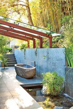 Tranquil Oasis - Outdoor Bathtubs We Wouldn't Be Able To Get Out Of - Photos
