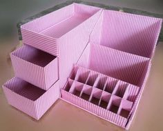 Diy makeup organizer ideas – Make Up Time Diy Makeup Organizer Cardboard, Cardboard Storage, Make Up Organizer, Cardboard Box Crafts, Diy Makeup Storage Box, Organizer Bins, Diy Storage Boxes, Drawer Storage, Kitchen Storage