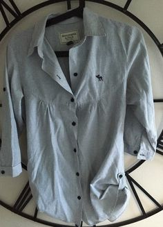 A vendre sur #vintedfrance ! http://www.vinted.fr/mode-femmes/blouses-and-chemises/19661596-magnifique-chemise-legere-rayee-abercrombie