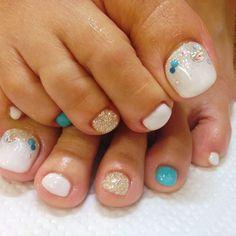 White and Blue Toe nail Art nailbook.jp