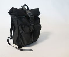 Instructables :: How to make a custom backpack from scratch