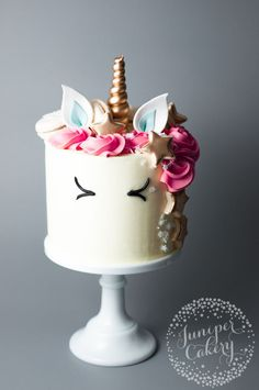 Learn how to make a unicorn cake