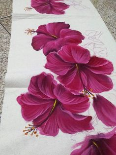 Saree Painting Designs, Fabric Paint Designs, Tole Painting, Fabric Painting, Diy Painting, Bed Sheet Painting Design, Hibiscus Flowers, Painted Clothes, Flower Art
