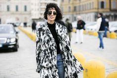 Inspiration coiffure: les plus beaux carrés courts des street looks de la Fashion Week automne-hiver 2016-2017