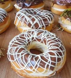 Practical German Cake - A really great recipe The soft dough with its yummy cream and chocolates makes it a perfect donut a - Delicious Donuts, Delicious Cake Recipes, Easy Cake Recipes, Delicious Chocolate, Yummy Cakes, German Chocolate, How To Make Chocolate, Chocolate Cake, Chocolate Tumblr