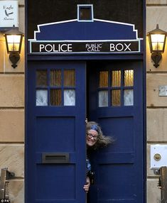 A Tardis Front Door - Awesome ~!!!
