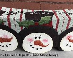 This is a decorative painting packet that includes full color photo, line drawing and instructions. Originally published in Pixelated Palette. Painted Bricks Crafts, Brick Crafts, Painted Pavers, Stone Crafts, Painted Rocks, Christmas Craft Fair, Painted Christmas Ornaments, Christmas Drawing, Christmas Paintings