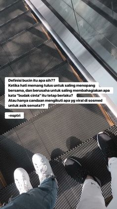 Moody Quotes, Cinta Quotes, Whatsapp Wallpaper, Quotes Galau, Cute Messages, Qoutes About Love, Reminder Quotes, Wonder Quotes, Quotes Indonesia