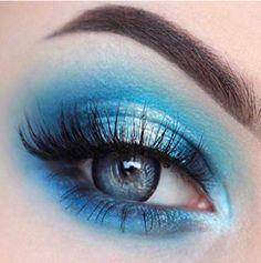 Eye Makeup Archives - MakeUp Tips Dramatic Eye Makeup, Eye Makeup Art, Colorful Eye Makeup, Blue Eye Makeup, Eyeshadow Makeup, Makeup Tips, Beauty Makeup, Eyeliner, Turquoise Eye Makeup
