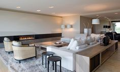 Calm colors and beautiful basics. (by RR Interior concepts)