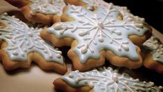 The golden cookie against the blue and white makes me think of a Coastal Living Christmas.