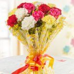 10 Mixed color Carnation for bringing smile on any one's face. The bloom of carnations shall sprinkle a colorful smile all around . Mothers Day Flower Delivery, Fresh Flower Delivery, Mothers Day Flowers, Send Flowers, Fresh Flowers, Heart Shaped Chocolate, Mother's Day Bouquet, Red Rose Bouquet