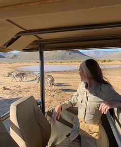 Places To Travel, Places To Go, Travel Pics, Safari Outfits, Emma Rose, Travel Aesthetic, Africa Travel, Travel Goals, Photos