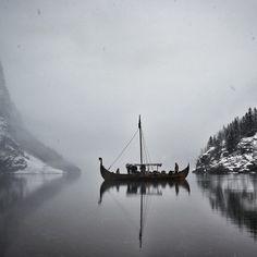 Njardarheimr Viking Village in Gudvangen Viking Aesthetic, Book Aesthetic, Character Aesthetic, Aesthetic Pictures, Httyd, Viking Village, Nordic Vikings, The Last Kingdom, Images Wallpaper