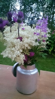 Finnish flowers Milk Can Decor, Miss Mom, Milk Cans, Days Of The Year, Naturally Beautiful, Finland, Wild Flowers, Beautiful Pictures, Seasons