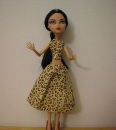 Halter top and skirt for monster high dolls by moonsight68 on Etsy, $7.00
