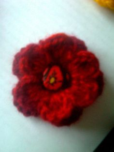 Crocheted flower brooch by CristinaMyCrochet on Etsy, €4.50