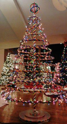 hula hoop christmas tree! woooot!