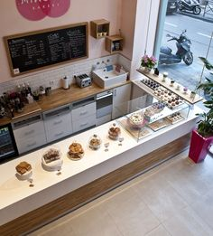 Minoofi Bakery by Viko Ferrari, via Behance