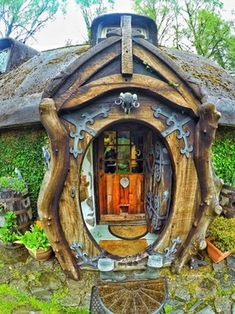 My uncle's very own self built hobbit house : CozyPlaces