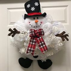 Snowman Wreath, Snowman door hanger, winter wreath, holiday wreath, winter decor, snowman swag, snowman, gift idea, handmade, winter swag