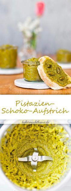 Aus wenigen Zutaten, einfach herzustellen und furchtbar lecker: Pistazien-Schoko-Aufstrich. :) Rezept mit und ohne Thermomix®.