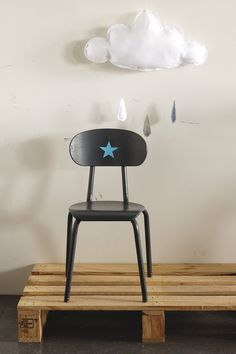 Little school chair in dark grey paint and blue star by un lapin dans le tiroir