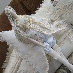 Tilda shabby de camisolinha p um quarto shabbychic😉 #shabbydecor #shabby #camisola #casinharomantica #quartodecasal