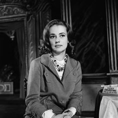 Jeanne Moreau, Tennessee Williams, Stage Play, French Actress, Golden Age, Cinema, Ruffle Blouse, Hollywood, Singer