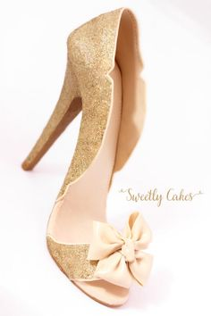 Gold high heel sugar shoe - Cake by Sweetly Cakes