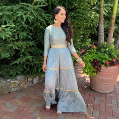 Bookmark These Stylish Outfit Ideas For Eid Mehendi Outfits, Eid Outfits, Bridal Outfits, Simple Outfits, Stylish Outfits, Cool Outfits, Muslim Fashion, Indian Fashion, Designer Punjabi Suits