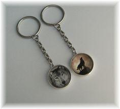 Schlüsselanhänger - 1 Schlüsselring Anhänger Wolf - Wahl -Motiv beids. - ein Designerstück von die-deko-werkstatt bei DaWanda