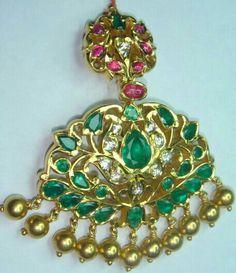 Traditional jewelry old school jadai Gold Jewelry Simple, Gold Rings Jewelry, Ruby Jewelry, Pendant Jewelry, Gold Necklaces, Gold Jewellery, Gold Pendent, Bollywood Jewelry, Latest Jewellery