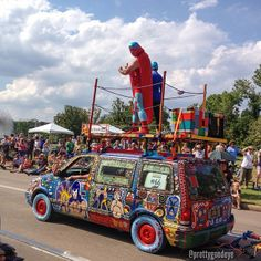 Art Car Parade by @prettygoodeye