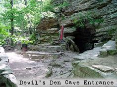 Moonshiners Cave Near Devil S Den State Park Oklahoma In