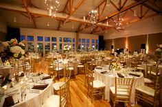 Fall wedding room shot. JDetailed Events I Chicago Event & Wedding Planner. Photo by Artisan Events.