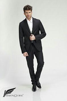 Este es uno de los trajed para caballeros que podrás comprar en mi tienda virtual 1Fashion Global. PRONTA APERTURA!! Aún estás a tiempo para registrarte de manera gratuita!! Visita mi página  www.1Fashionglobal.net/elizabethleyba y ÚNETE