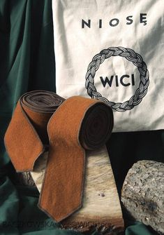 Wool leg wraps winingas ready for shipping Viking Rus