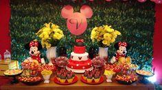 Olha que linda ESTA Festa Minnie !!Imagens Feitopor Amigas.Lindas ideias e Muita Inspiração.Bjs Fabiola Teles.Mais ideias lindas: Feito por Amigas....