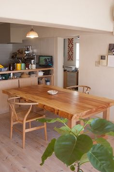2013-12-14-tochi-diningtable15s