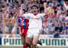 12/5/1990 FA Cup Final.<br />Manchester United v Crystal Palace.<br />Mark Hughes celebrates following United's goal.<br />Photo: Mark Leech / Offside