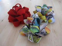 DIY gift bows with paper or ribbon