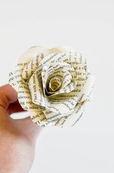 These DIY book flowers are perfect for weddings, showers, parties, or just for decorating your home! Burlap Flowers, Paper Flowers Diy, Flower Crafts, Paper Roses, Diy And Crafts, Paper Crafts, Paper Art, Old Book Crafts, Paper Ring