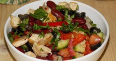 Salata cu pui si fasole Kung Pao Chicken, Potato Salad, Potatoes, Ethnic Recipes, Food, Salads, Potato, Essen, Meals