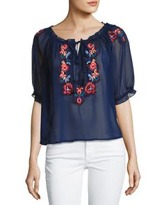 ROMEO & JULIET COUTURE EMBROIDERED PEASANT TOP. #romeojulietcouture #cloth #