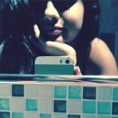 Selena Gomez Takes Selfie Pic in Justin Biebers Bathroom? Jelena Sleepover!   Cambio
