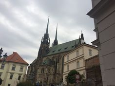 Brno is a nice, quiet old town with a young vibe. If only because of the proximity to Prague, Vienna and Bratislava you should consider exploring Brno. Weekend Breaks, Bratislava, Eastern Europe, Prague, Old Town, Barcelona Cathedral, Exploring, Mansions, House Styles