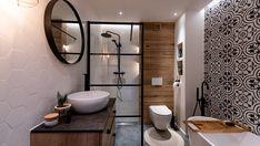 Czarno biała łazienka z marokańskim akcentem, czarna armatura, płytki heksagon, drewniane dodatki, wolnostojąca wanna oraz prysznic, czarna rama prysznicowa White Bathroom Decor, Modern Bathroom, Small Bathroom, Bad Inspiration, Bathroom Inspiration, Bathroom Remodel Pictures, Glazed Walls, Downstairs Bathroom, Dream Bathrooms