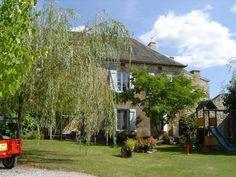 Dordogne/ Lot- Domaine Gaury- 3 vakantie huizen (4-9 pers)- verwarmd en omheind zwembad- jacuzzi- table d'hote en zeer kind vriendelijk- wordt gerund door Belgisch gezin.